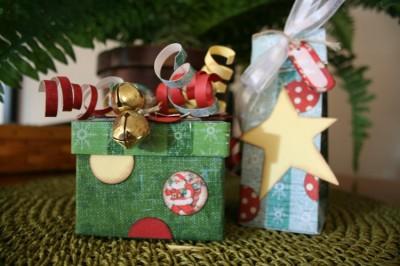 gift box jingle bells